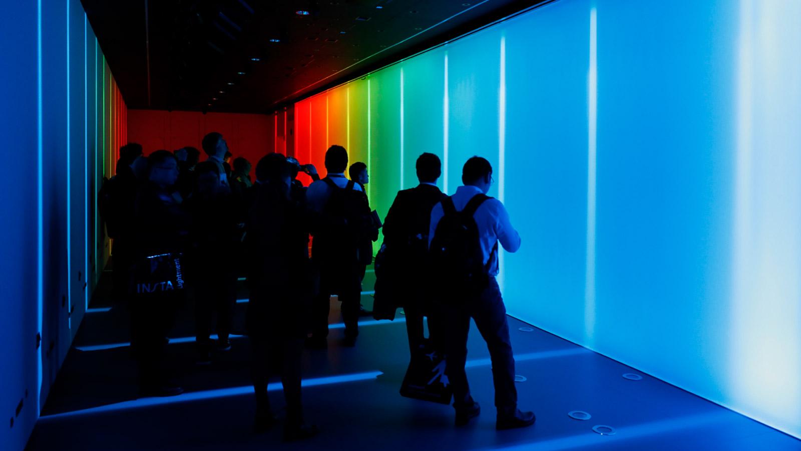visitors-at-the-light-experience-iguzzini