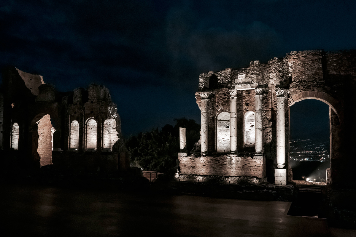 iGuzzini illuminates the Greek Theatre of Taormina with Metaenergia