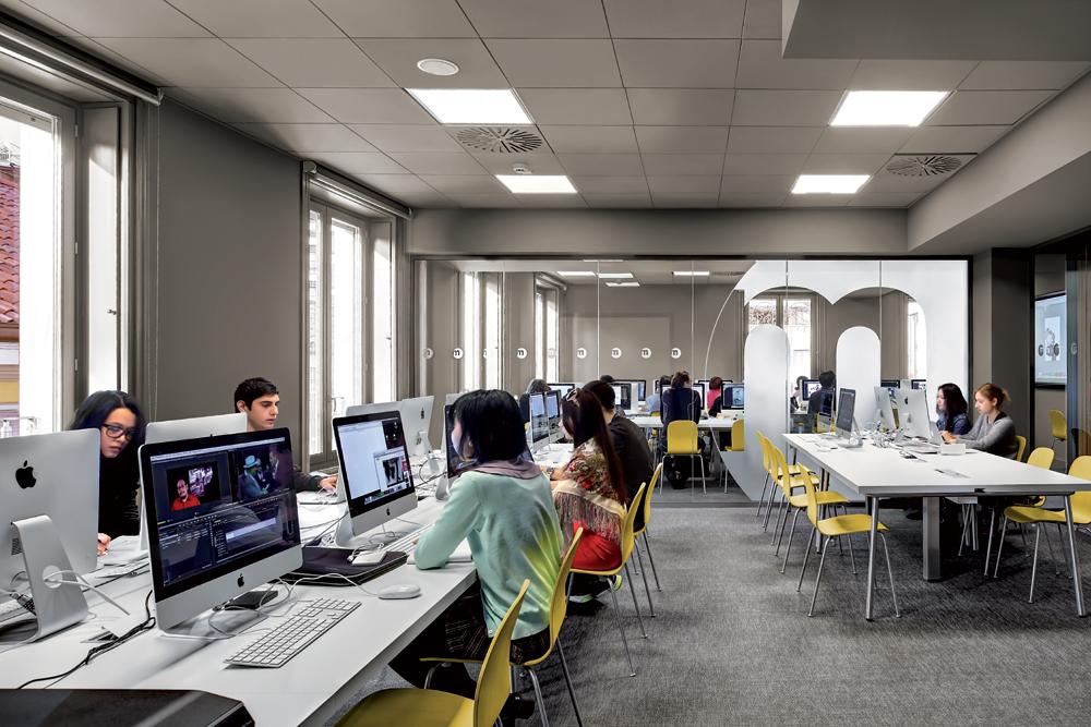 Iplan lighting products iguzzini for Scuola interior design